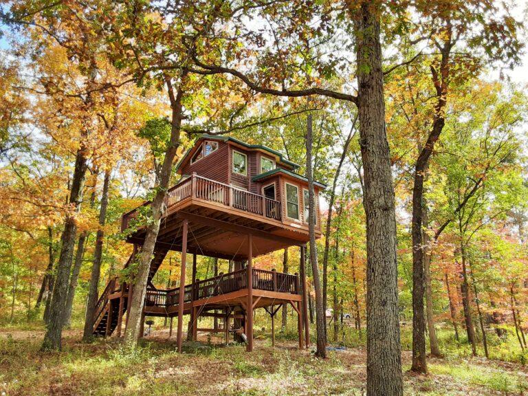 """""""High Hope"""" Tree House"""